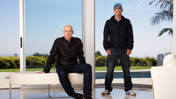 Neil Tennant (li.) und Chris Lowe von den Pet Shop Boys (2012) © Ann Suma Foto: Ann Suma