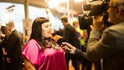 Musikerin Beth Ditto beim Interview in der Elbphilharmonie in Hamburg © NDR Foto: Philipp Szyza