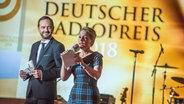 Die Moderatoren Stefan Meixner und Nina Zimmermann beim Deutschen Radiopreis. © Deutscher Radiopreis / Benjamin Hüllenkremer Foto: Benjamin Hüllenkremer