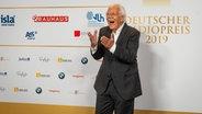 Moderator Carlo von Tiedemann auf dem Roten Teppich beim Deutschen Radiopreis 2019 © Deutscher Radiopreis / Benjamin Hüllenkremer Foto: Benjamin Hüllenkremer